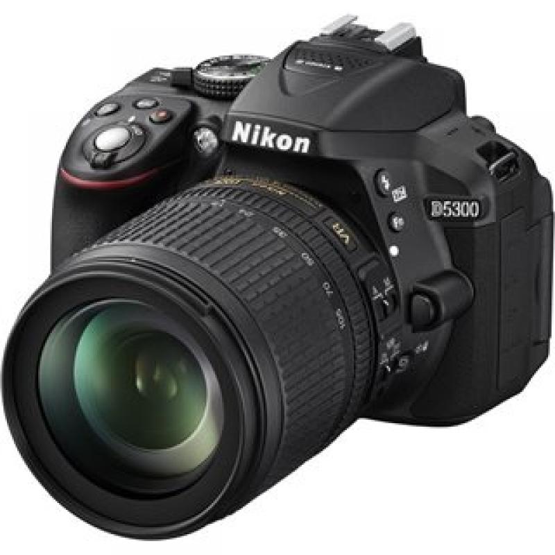 Nikon D5300 Kit (18-105) Black
